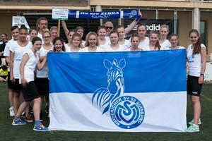 Auf in den Kampf - Die U17 des MSV Duisburg bei der Eröffnungsfeier der 25. Trofeo Mediterraneo