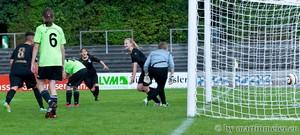 Höchste Eisenbahn - Sonja Reichel(MSV) sorgt mit ihrem Treffer kurz vor Ende der regulären Spielzeit für Jubel bei den Duisburgerinnen