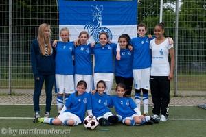 Kleine Zebras ganz groß - Durch einen deutlichen 13:0 (5:0) Erfolg gegen den TV Voerde sicherten sich die MSV D-Juniorinnen den Titel des Kreispokalsiegers 2014