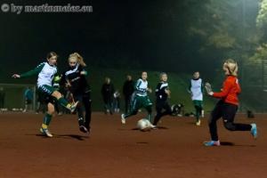 Die Entscheidung - Laura Schwind trifft kurz vor Schluss im Pokalhalbfinale gegen den TSV Heimaterde zum 2:0