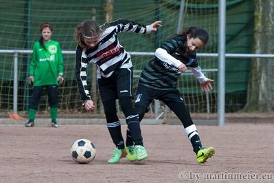 Harter Kampf - Feyza Kantaroglu im Duell mit ihrer Gegenspielerin