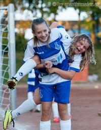 Gut Lachen haben Clarissa Peyerl und Hannah Vogel nach dem Einzug ins Kreispokal-Halbfinale
