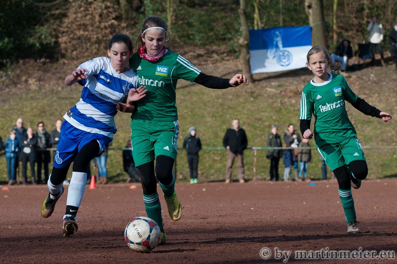 Auf Augenhöhe - Der TSV Union Wuppertal erwies sich für die Zebramädchen um Melina Agca als sehr unangenehmer Gegner