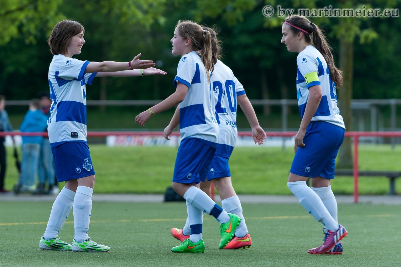 Klein, aber oho - Leonie Jäger und Inga Dombrowski erzielten vier der fünf Treffer gegen die SF Königshardt
