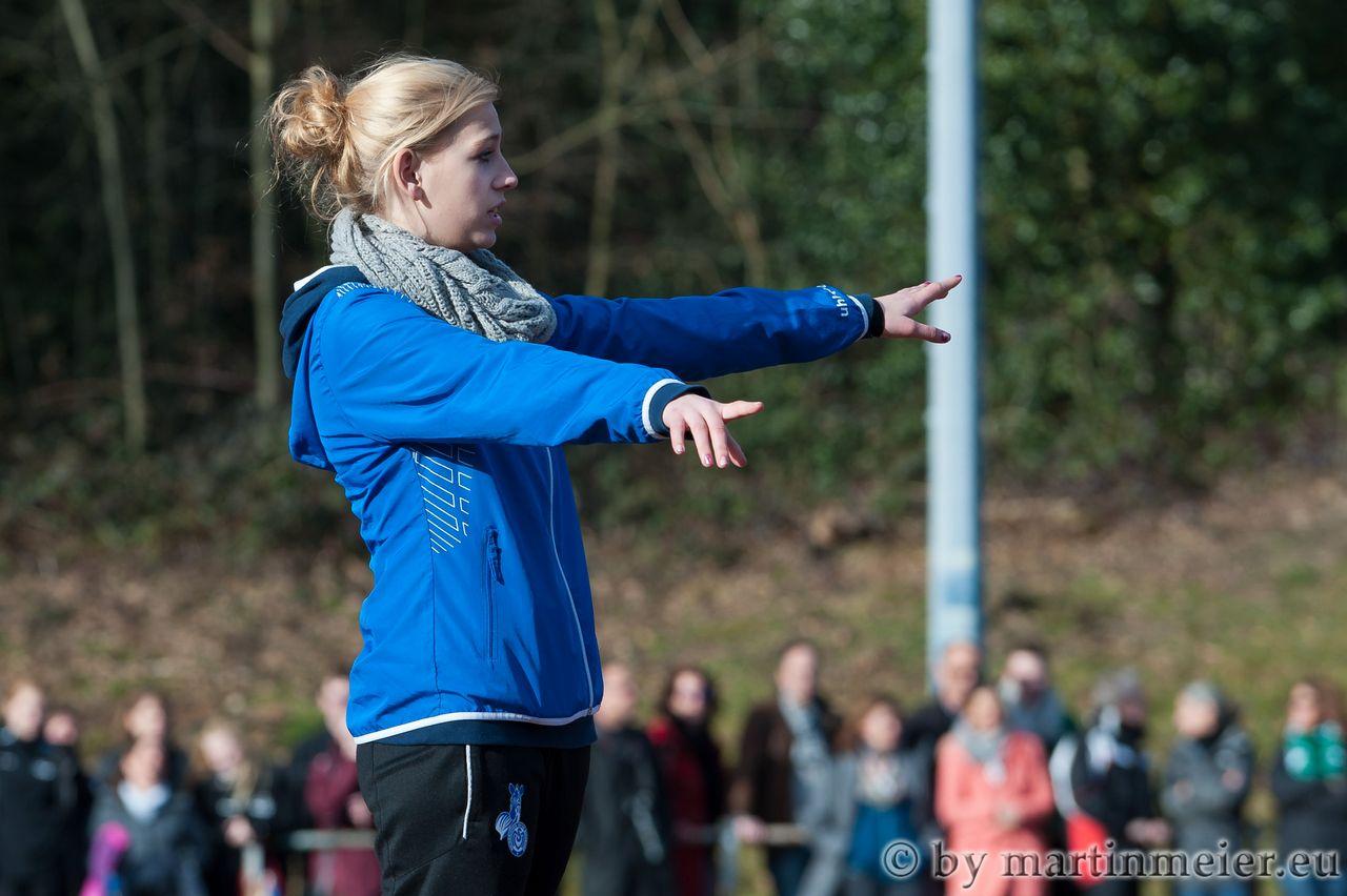 Die Neue - Franziska Göbel feierte am 01.03.2014 beim 9:1 Pokalsieg beim SV 09/35 Wermelskirchen einen gelungenen Einstand als MSV-Nachwuchstrainerin