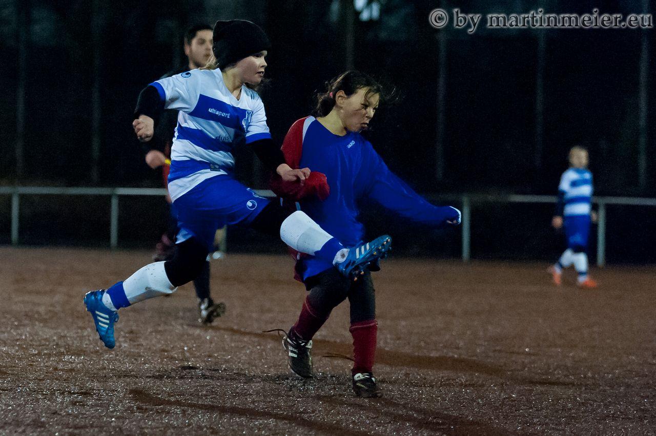 Gar nicht abgehoben - Elli Faaßen und ihre U13-Zebras nahmen die Hürde im FVN-Pokal gekonnt