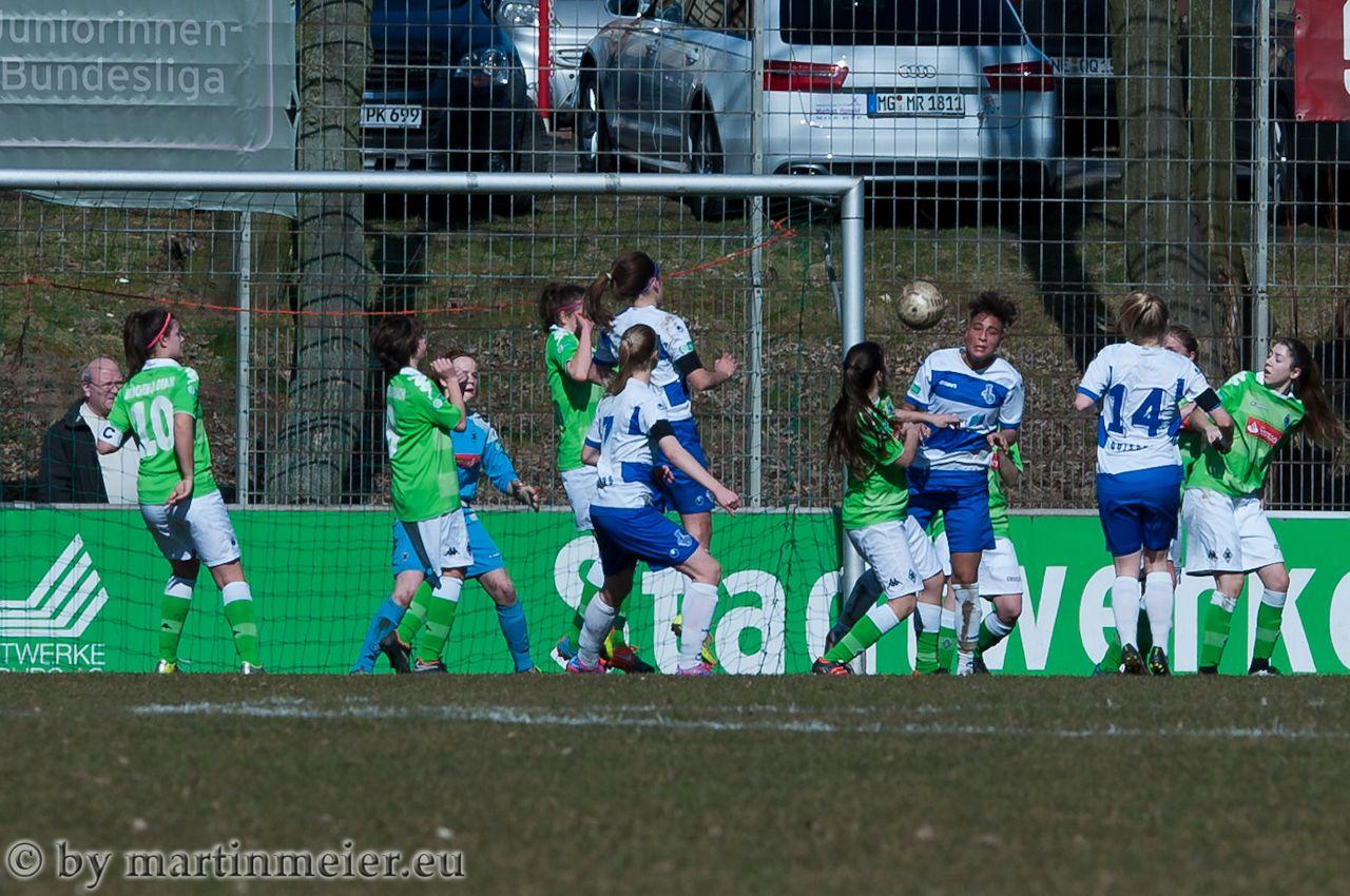 Er will nicht rein - Gegen Borussia Mönchengladbach gelang den Zebras trotz vieler hochkarätiger Möglichkeiten kein Treffer