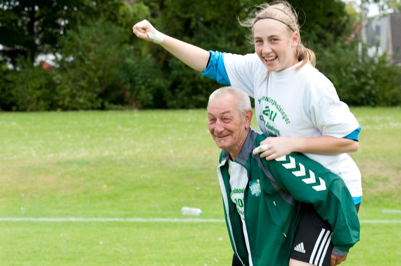 Glory days - Sarah Deinert parierte im U15 Niederrheinpokalfinale 2011 den die entscheidenden Elfmeter und wurde zur Matchwinnerin