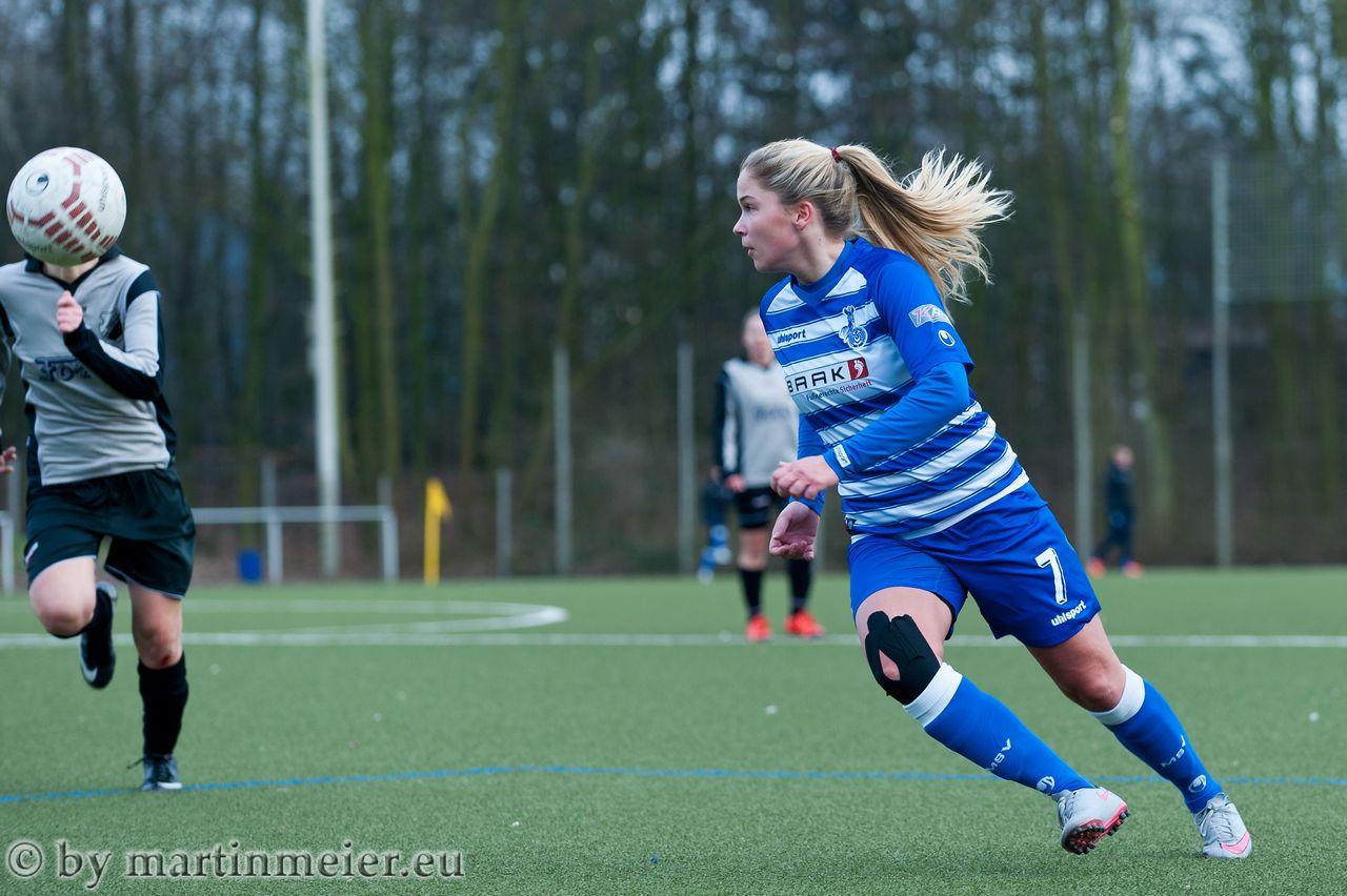 Auf dem Weg zum Ausgleich - Janina Vogt scheint mit dem SV Eintracht Solingen einen Lieblingsgegner zu haben