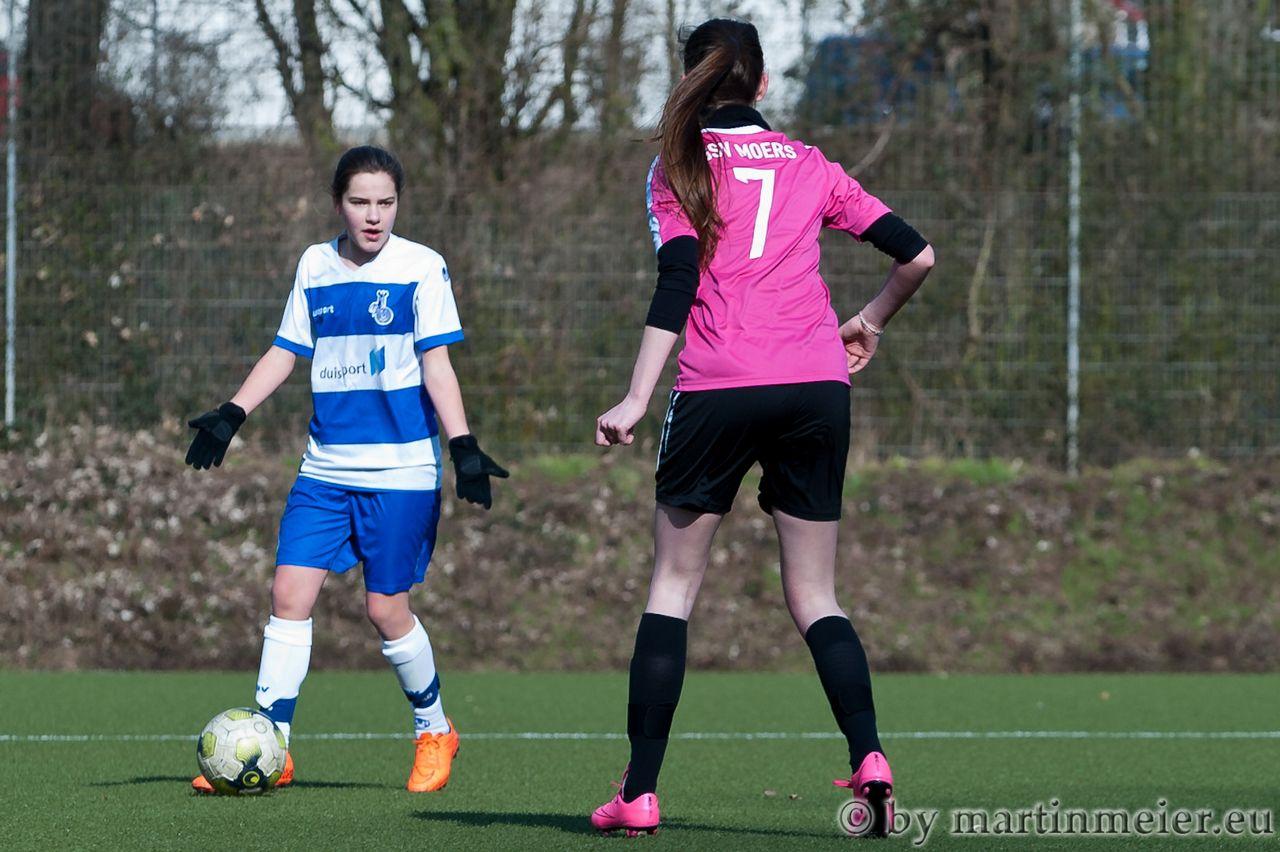Wohin - Inga Dombrowski(MSV) auf der Suche nach einer Anspielpartnerin