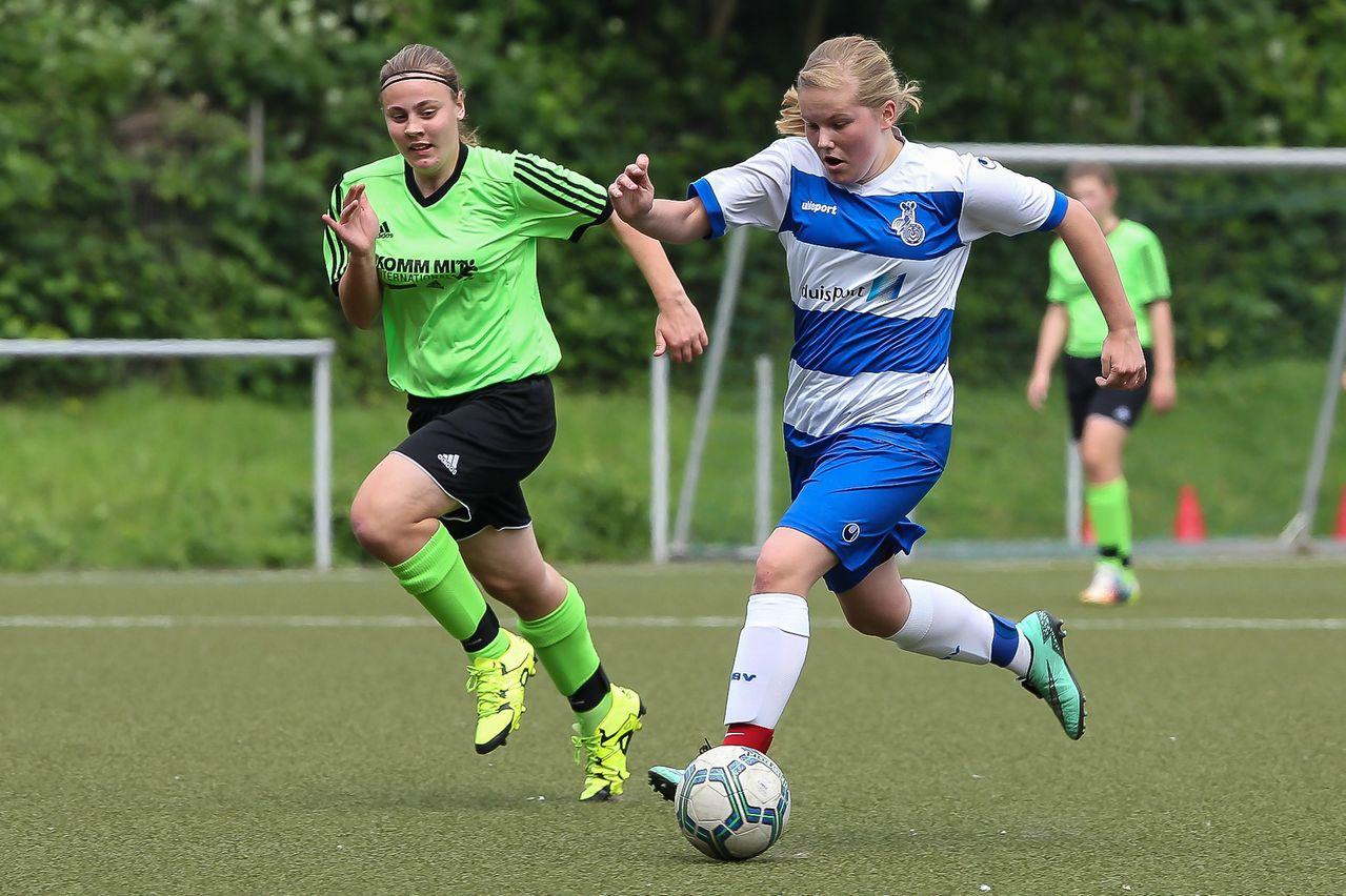 Vorwärts -Lisa Kalde(MSV) hätte beinahe ihren ersten Saisontreffer erzielt