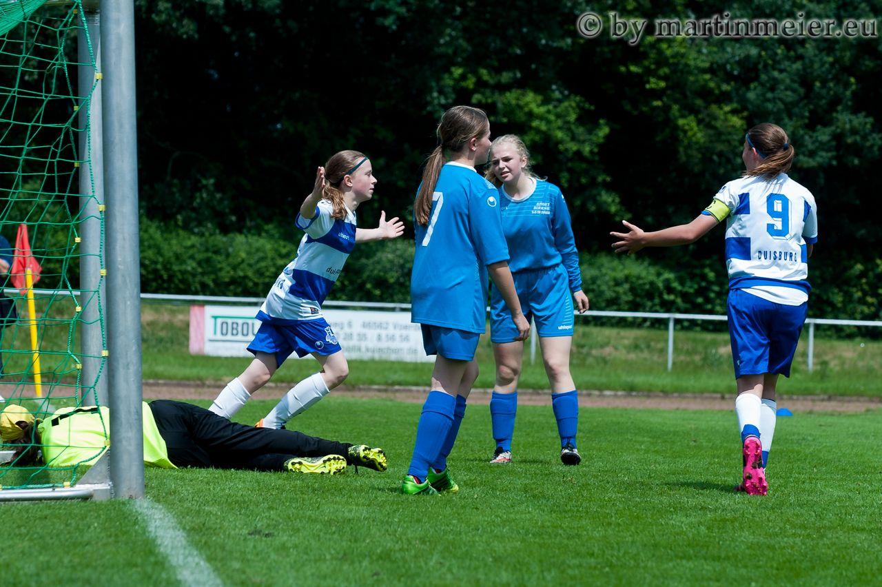 Auf den letzten Drücker - MSV Keeperin Melina Molnar erzielte im letzten Pflichtspiel des Jahres ihr erstes Saisontor als Feldspielerin