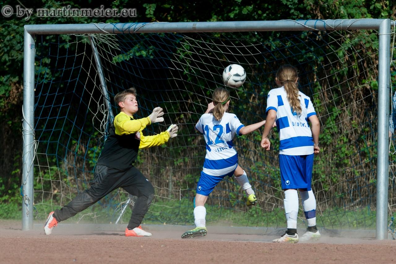Hinein ins Vergnügen - Die Zebras trafen gegend en 1. FC Hagenshof gleich sechzehn Mal