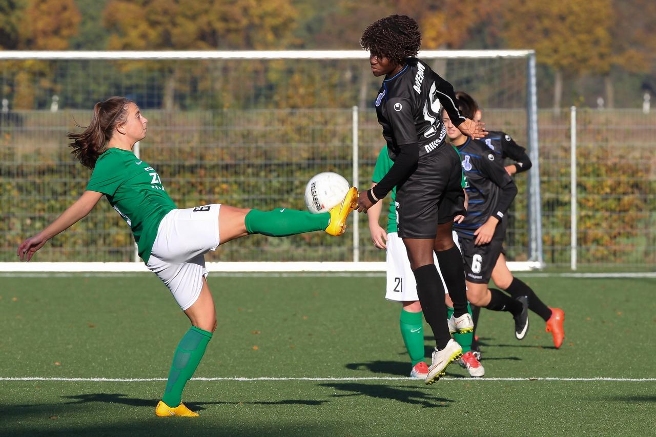 Knappe Kiste - In der Regionalligabegegnung zwischen den Sportfreunden Uevekoven und den Zebras wurde um jeden Zentimeter gekämft