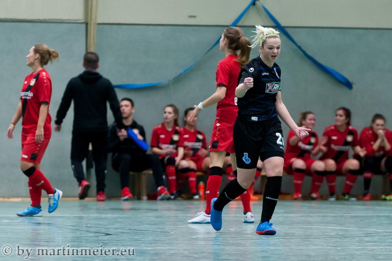 Aufholjagd - Im Halbfinale gegen Bayer Leverkusen bewiesen die Zebras um Scarlett Hellfeier Moral und holten dreimal einen Rückstand auf