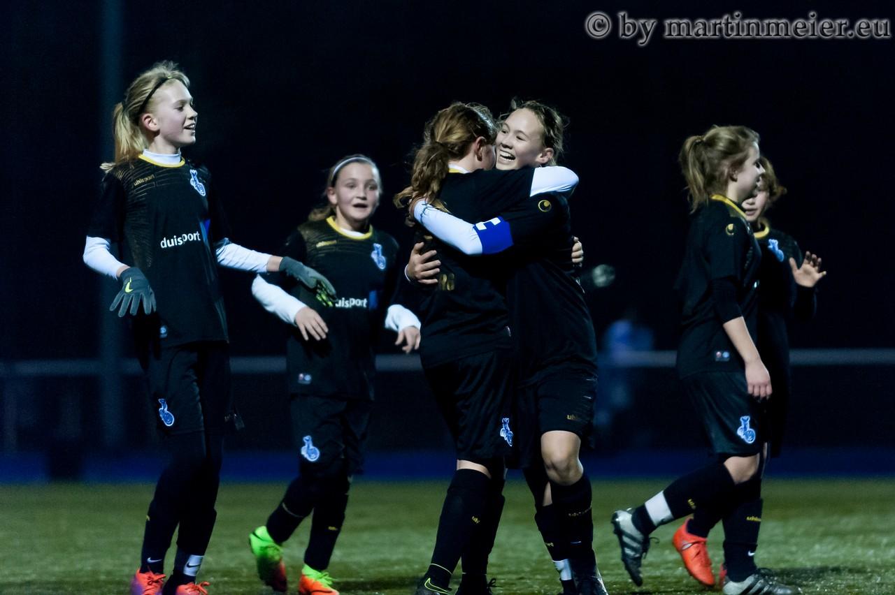 Hürde genommen - Die MSV-Mädchen zogen ins Viertelfinale des U13 Niederrheinopokals ein
