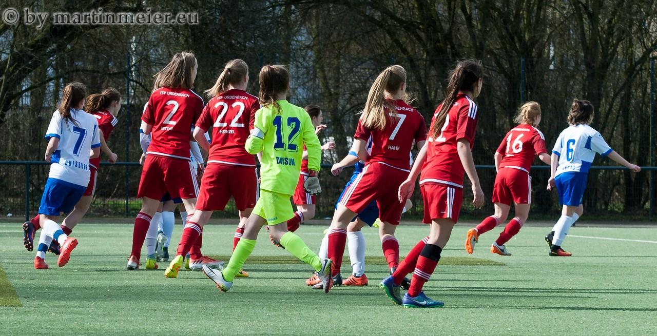 Ab nach vorne - In der spannenden Schlussphase stürmte MSV-Keeperin Ena Mahmutovic mit nach vorne