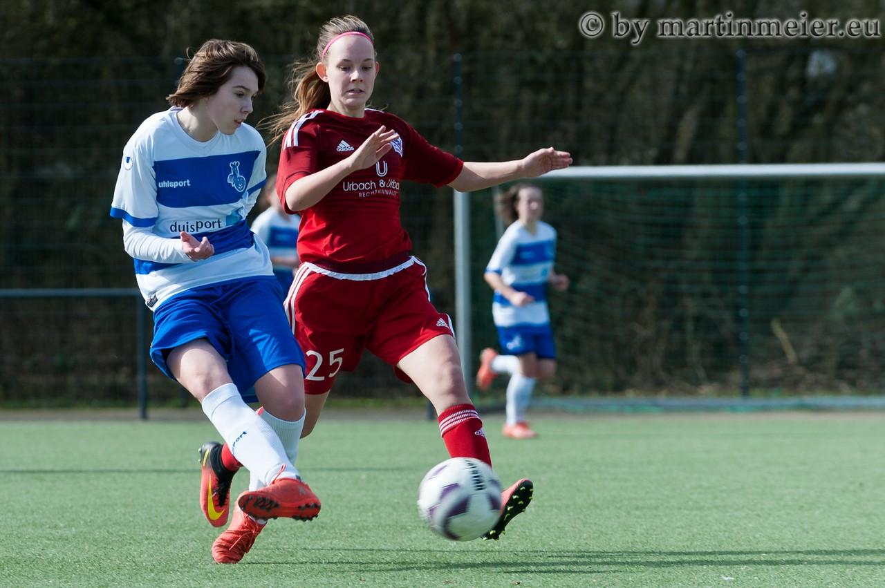 Du schon wieder? -  Leonie Jäger(MSV) absolvierte bereits mit den BII Juniorinnen einen Pflichtspieleinsatz bei der TSV Urdenbach