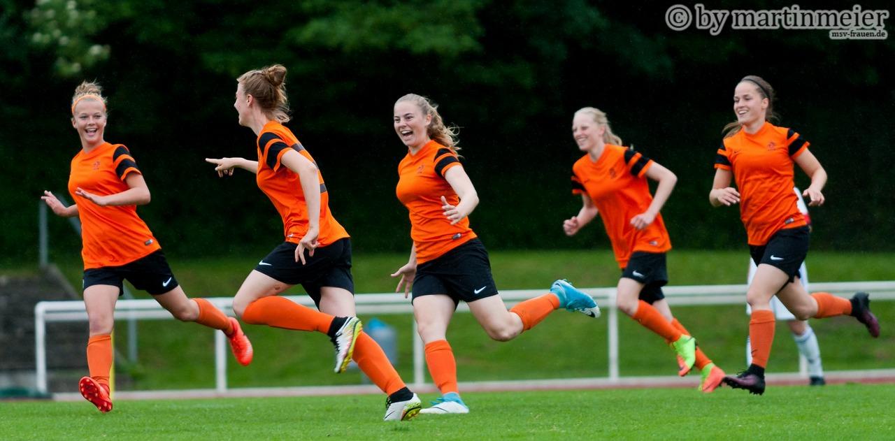Oranje in Feierlaune - CTO nach dem Führungsdtreffer im Finale gegen den TSV Schott Mainz