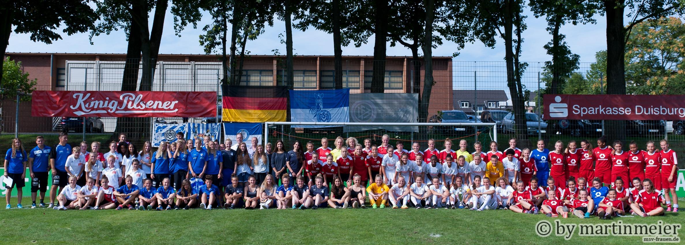 Alle cauf einem Bild - Das diesjährige U17 Turnier glänzt wieder durch ein stattliches Starterfeld