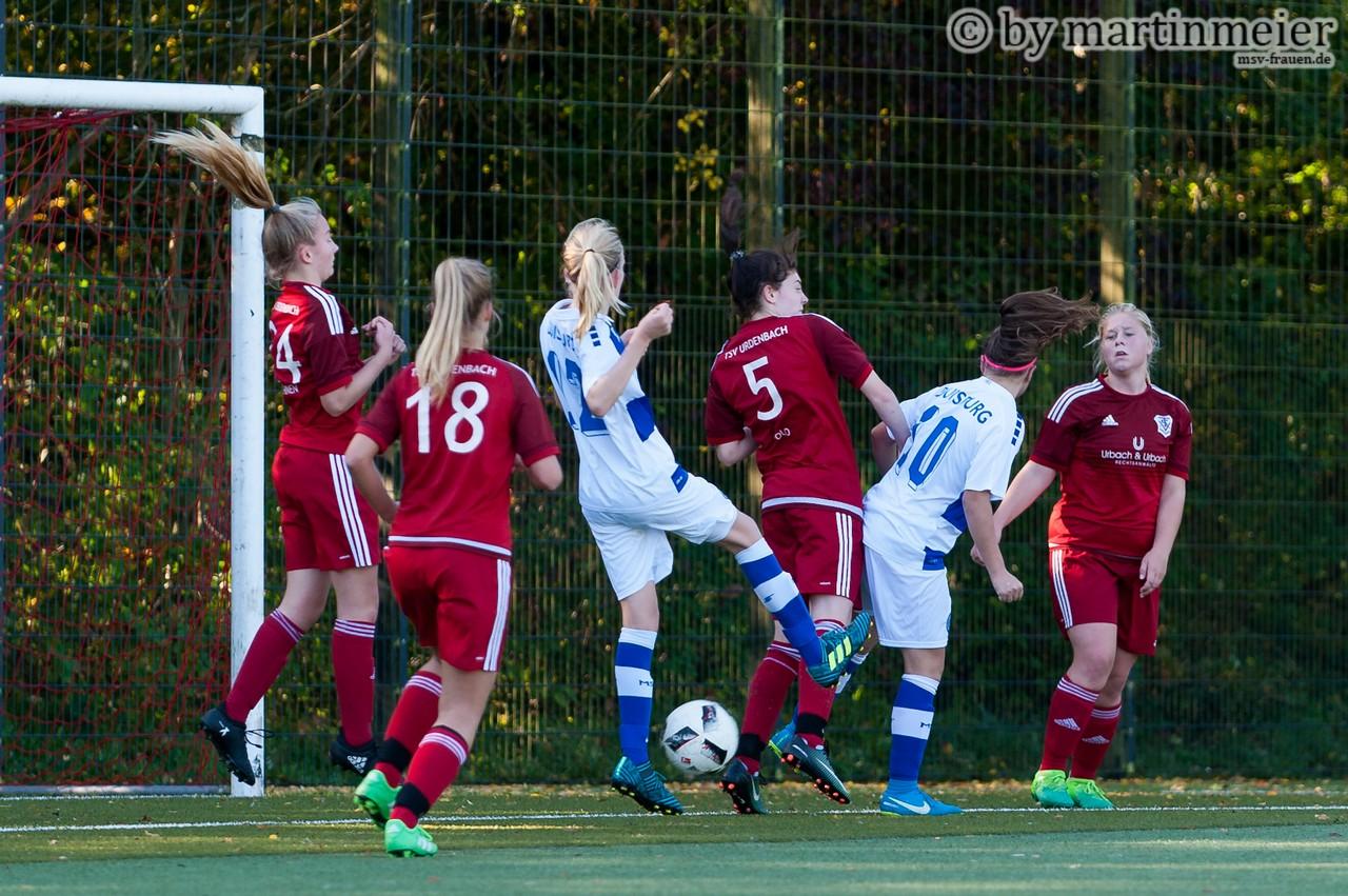 Da machst Du nix - Der Ball wollte einfach nicht den Weg ins Tor des TSV Urdenbach finden