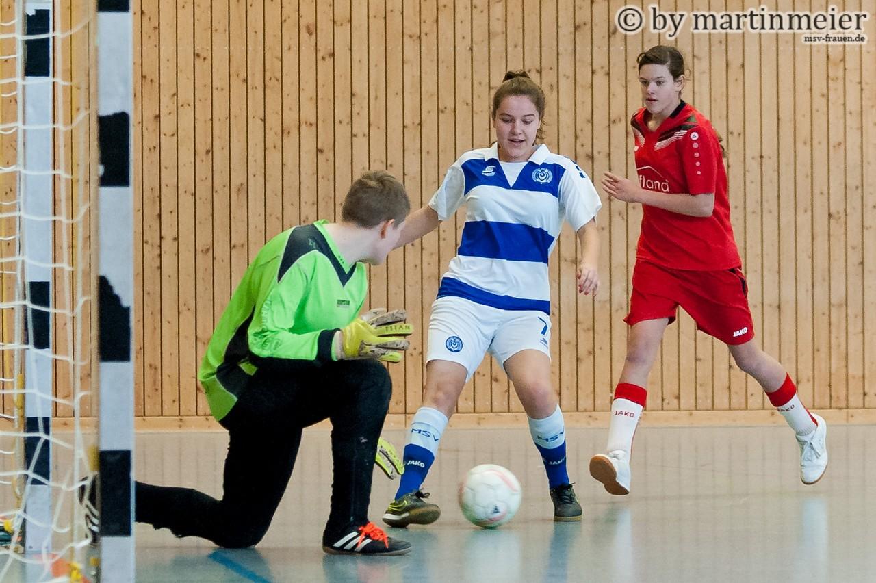 Ausgetanzt - Inga Dombrowski (MSV) hatte gegen den TSV Krefeld-Bockum nur wenig Mühe