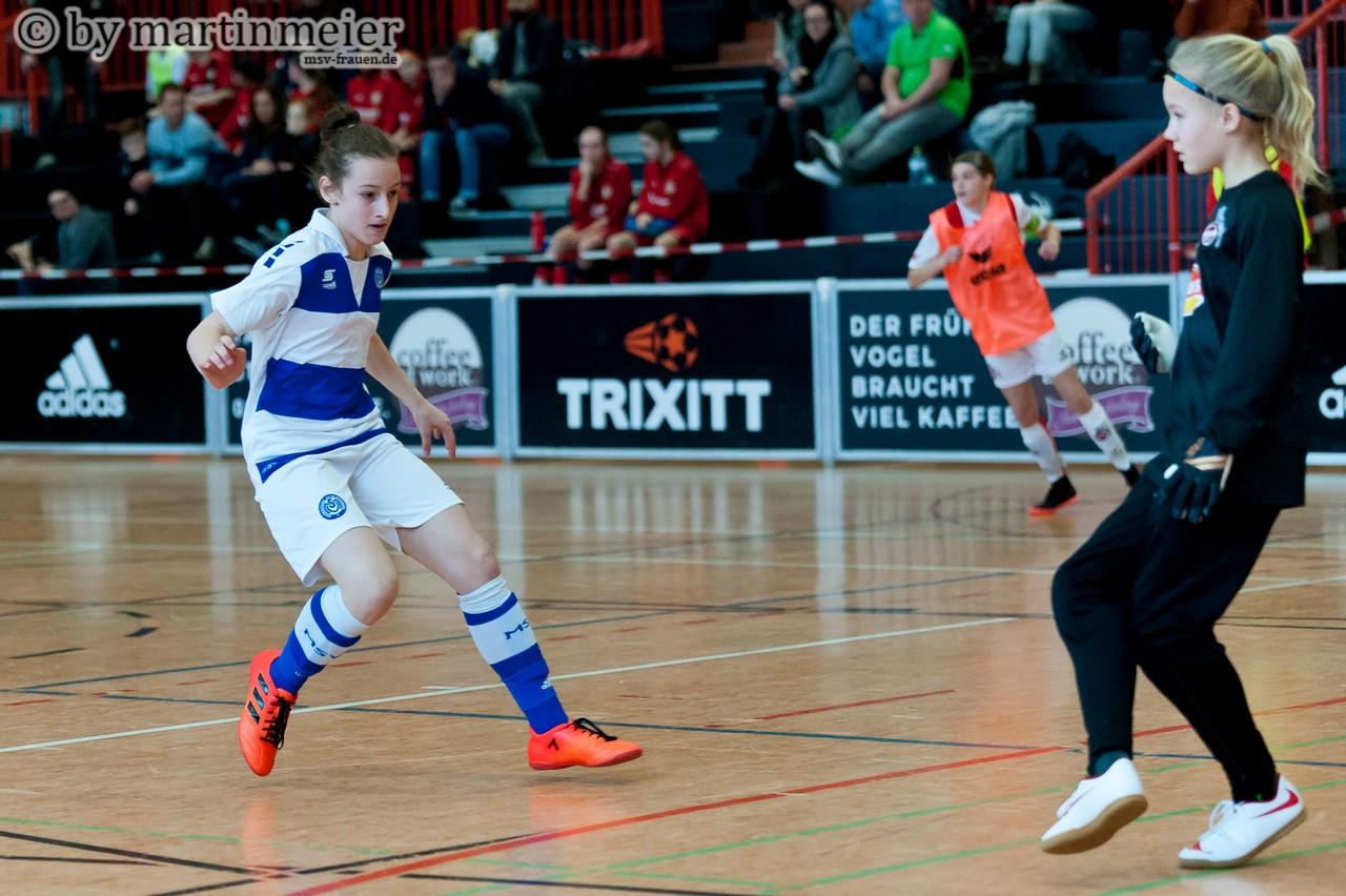 Abgewehrt - Gegen den 1. FC Köln kamen die Zebras mit Chiara Franke nicht zum Torerfolg