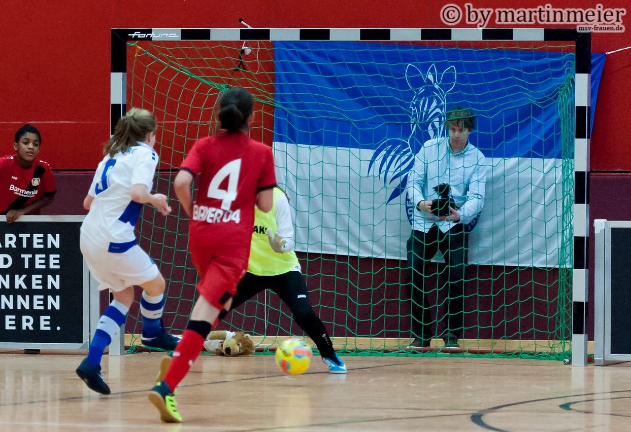 Spiel gedreht - In einer dramatischen Schlussphase sorgte Annika für den 2:1 Siegtreffer gegen Bayer 04 Leverkusen