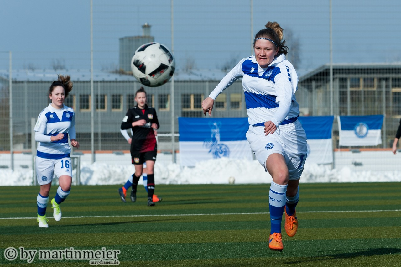 Streifen stehen ihr besser - Ex-Leverkusenerin Joana Hantke(MSV)