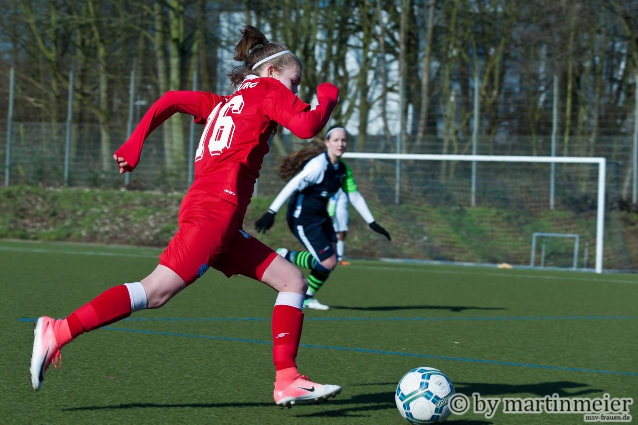 Welcome back - Mara Behnke (MSV) absolvierte nach neunmonatiger Fußballabstinenz ein starkes Comeback
