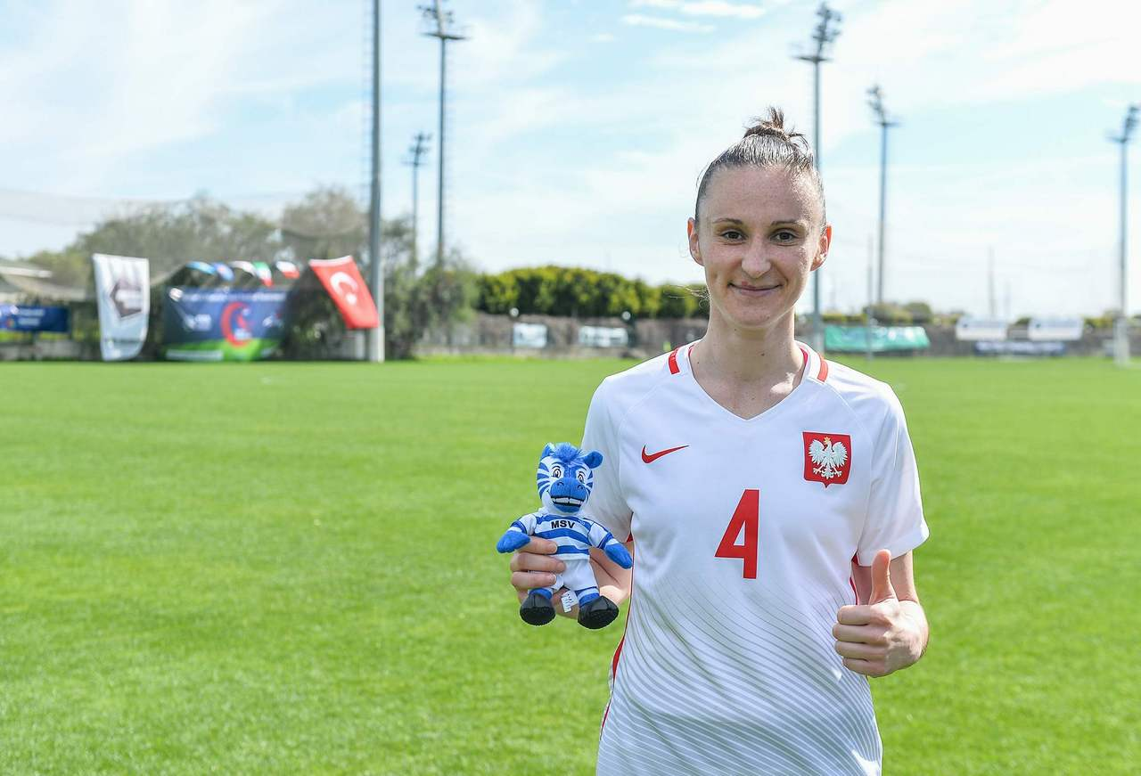 Grüße aus der Sonne - Symela Ciesielska mit Unterstützung beim Alanya Gold City Cup