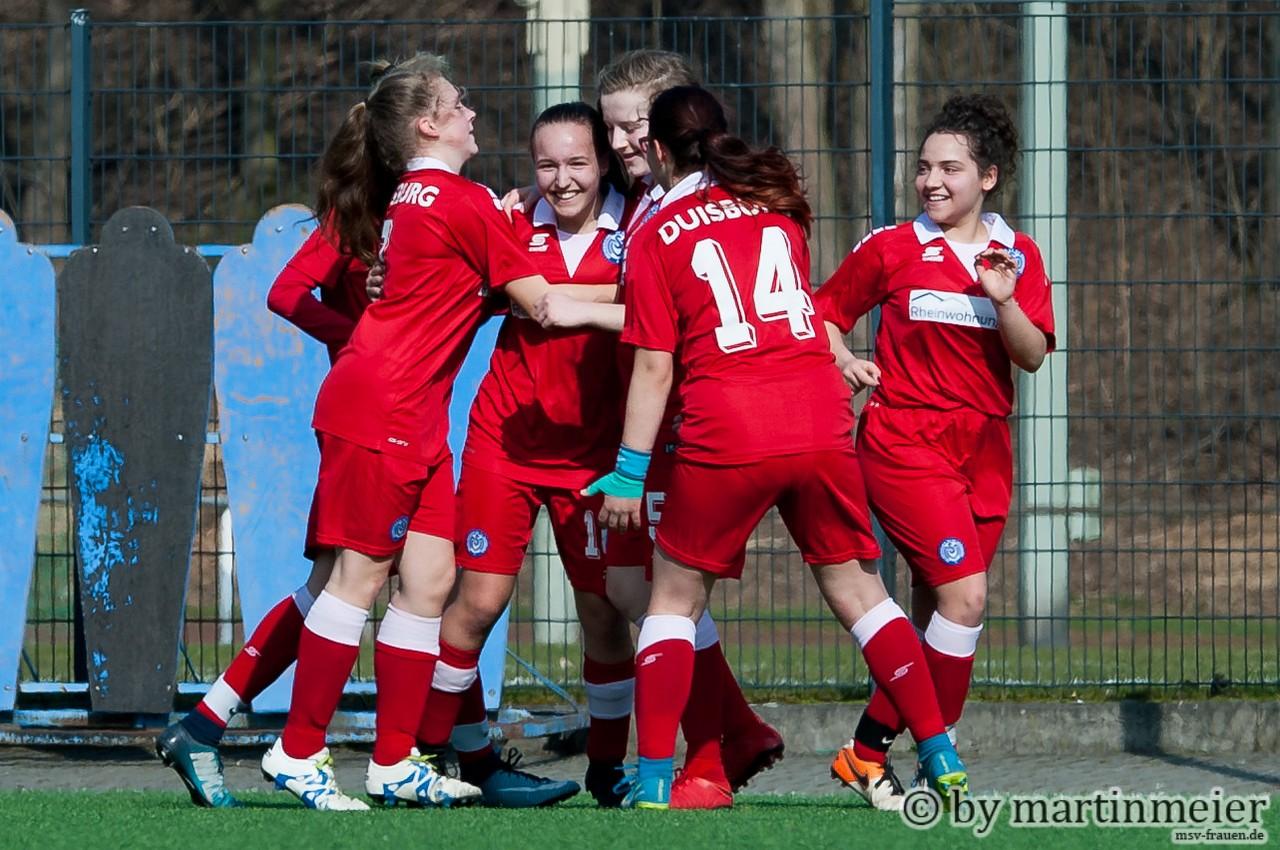 Erleichterung herrschte bei den U16-Mädchen nach dem Auswärtssieg in Mönchengladbach
