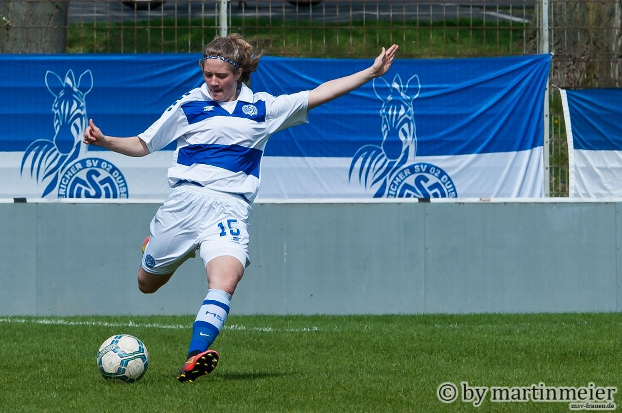 Zuckerpass - Joana Hantke bediente mit ihrem Klassepass Leonie Jäger, die den Ball zum 1:0 verwertete