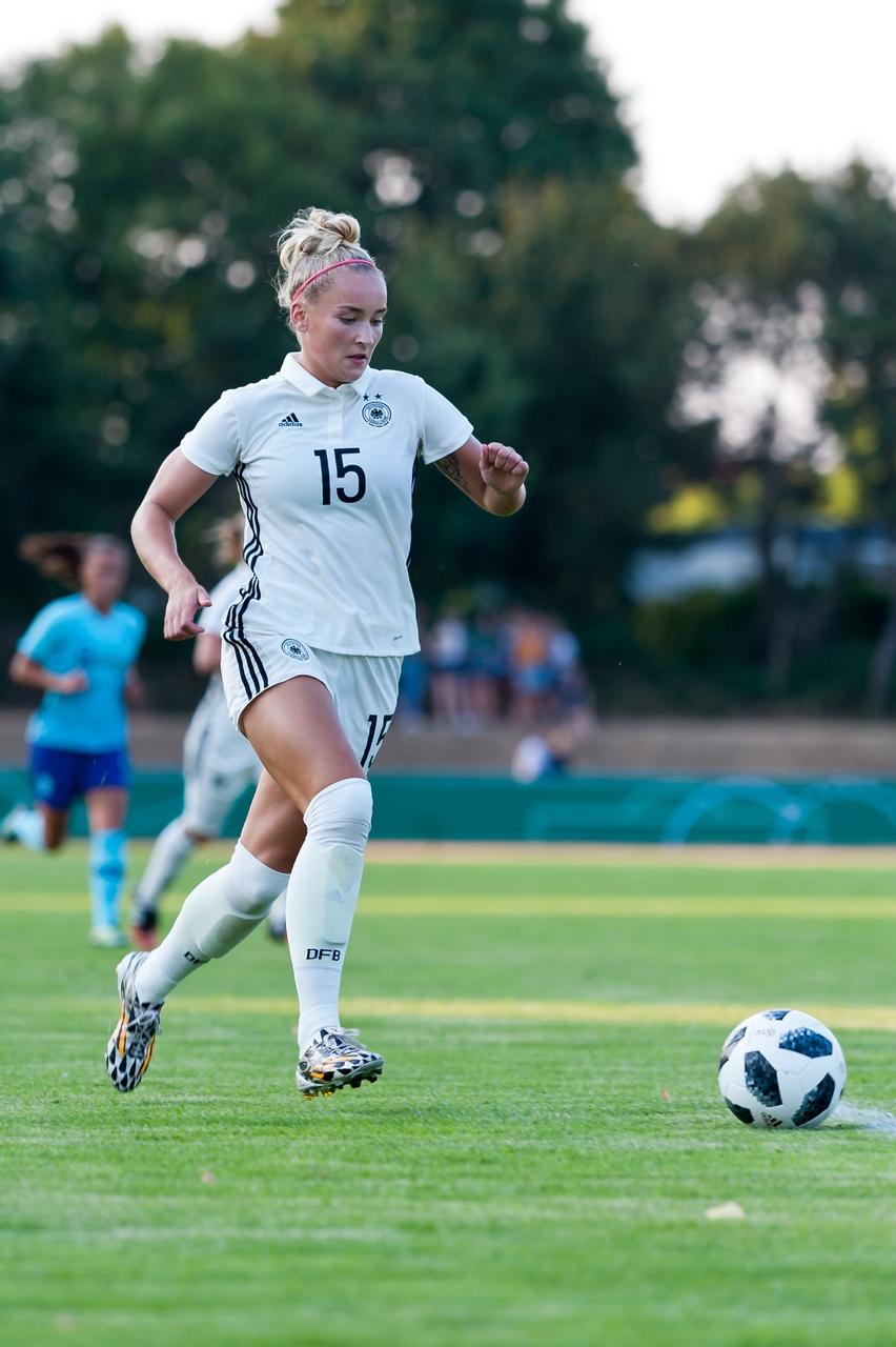 Ab geht die Post - Nina Lange sammelte gegen die Niederlande in den Schlussminuten Spielpraxis