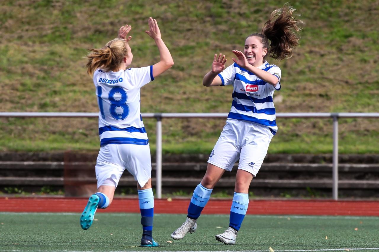 Celebrate good times Melisa Esen und Mara Behnke(MSV) feiern die 4:0 Vorentscheidung