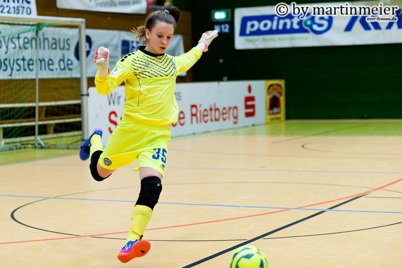 Meisterlich - Ena Mahmutovic ist der große Rückhalt ihres Teams zwischen den Pfosten