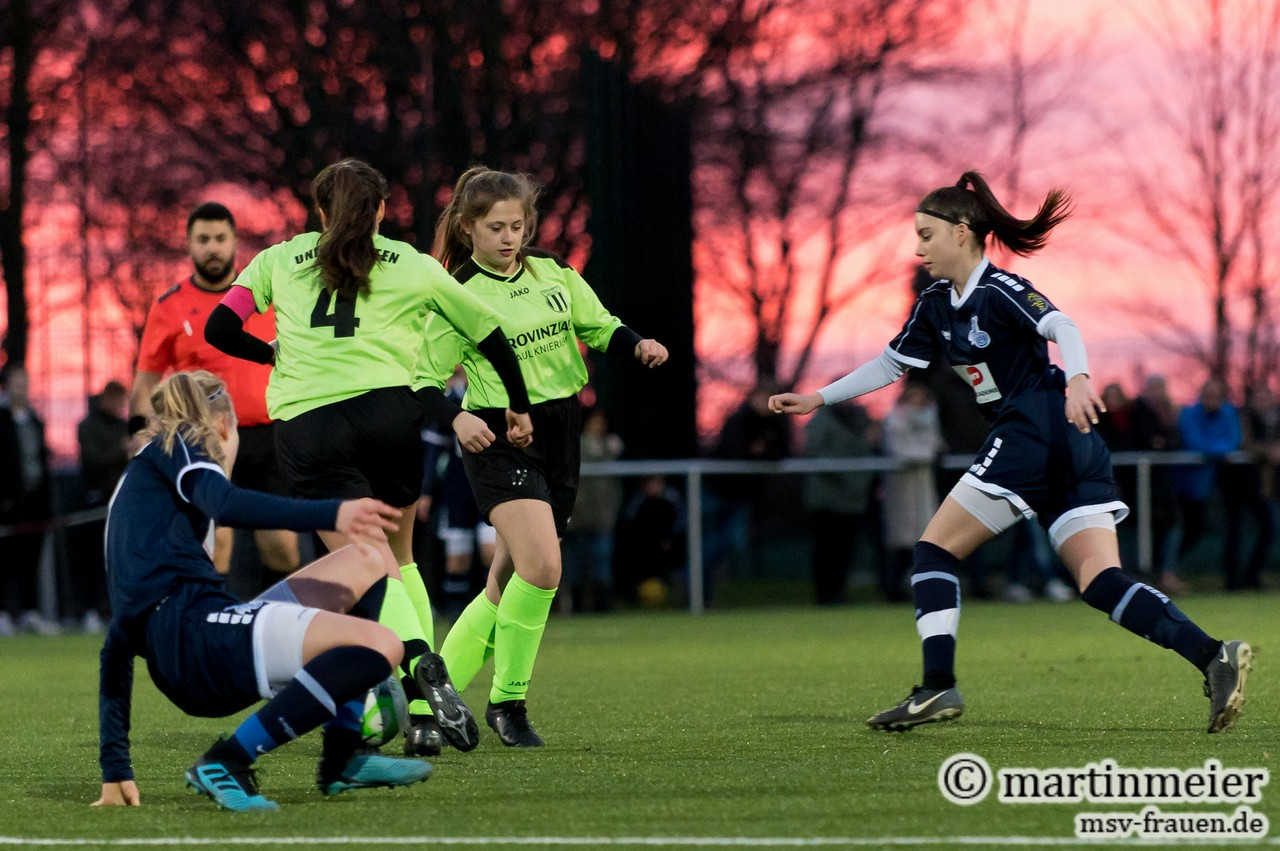 Fußball-Romatik - Sehenswerter Sonnenuntergang mit MSV-Torschützin Melina Agca