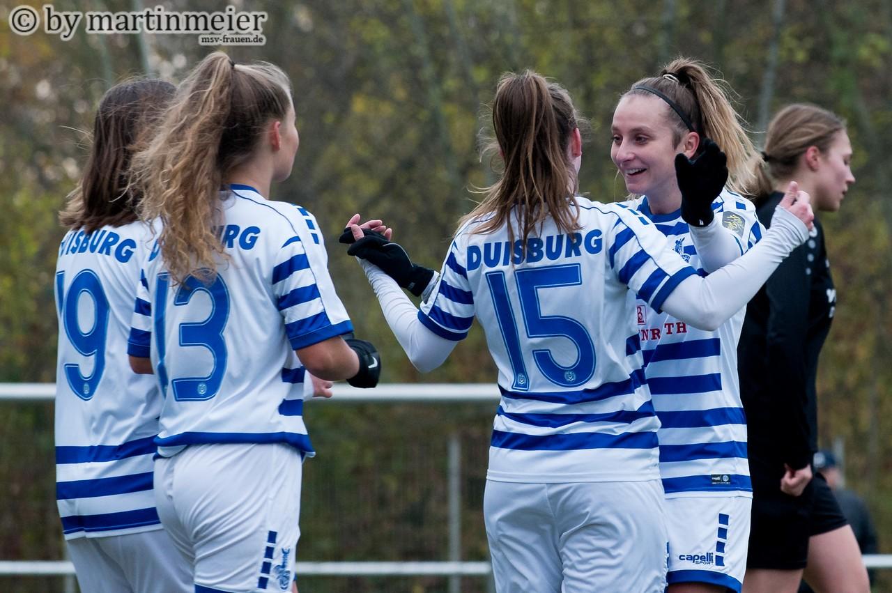 Abgeklatscht - Das Team um Ur-Duisburgerin Nadine Spitalar bekommtin der neuen Saison allerhand Hochkaräter serviert