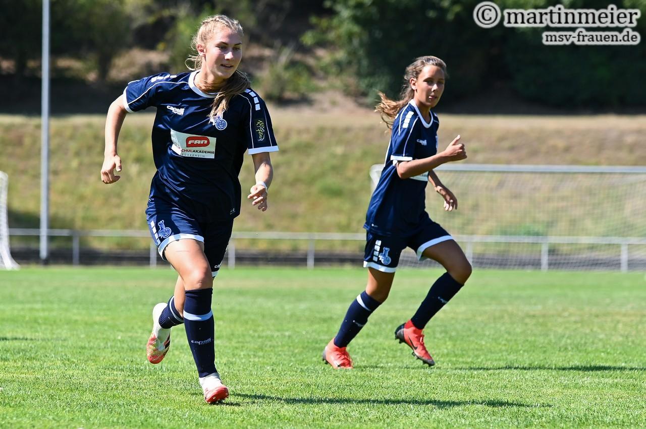 Doppelpack - Alex Heuser(MSV) bereitete den Hannoveranerinnen mit ihrer starken Leistung einiges Kopfzerbrechen