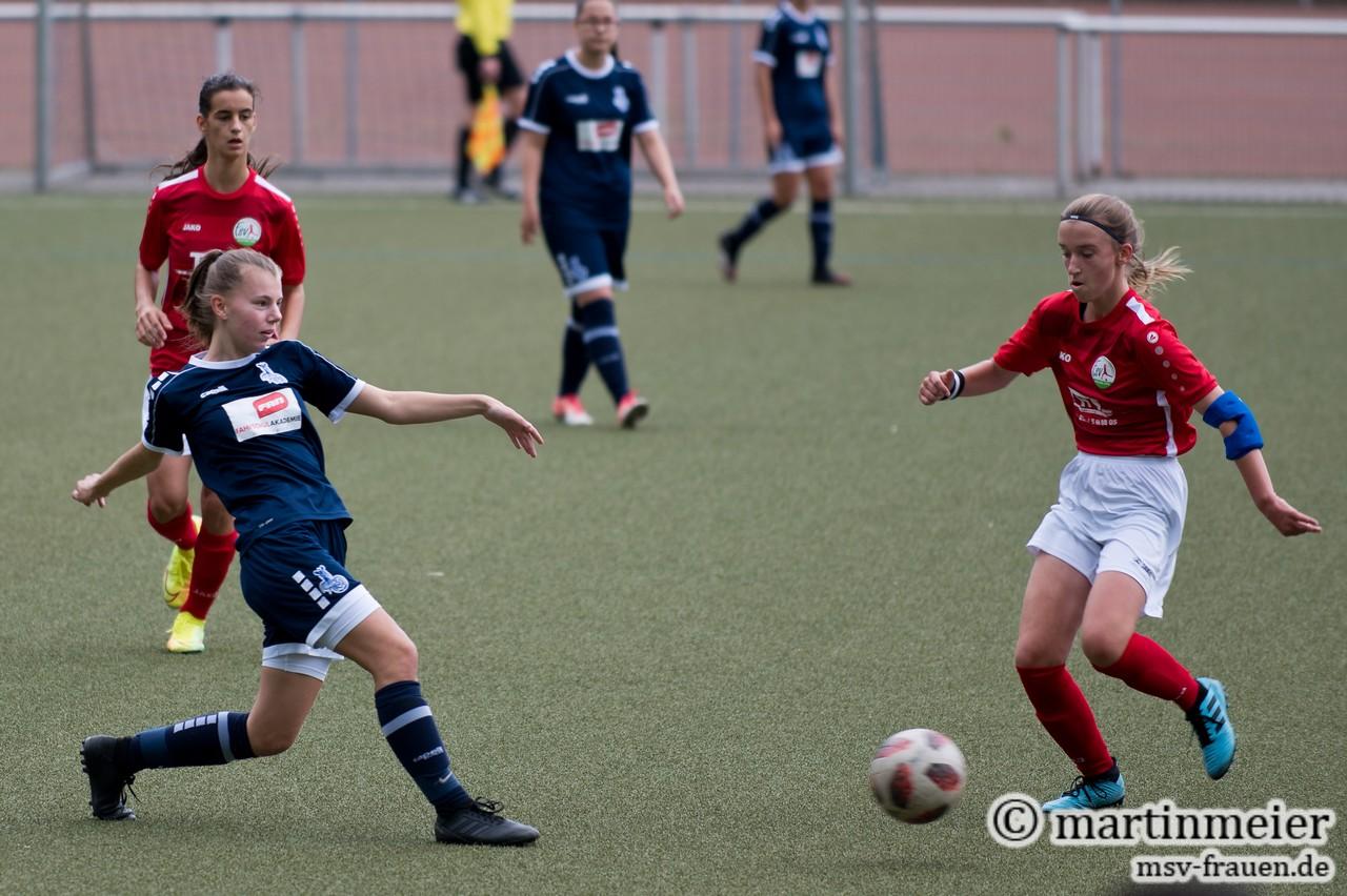 Hinten dicht - Maya Hübinger(MSV) lieferte solide Defensivarbeit ab